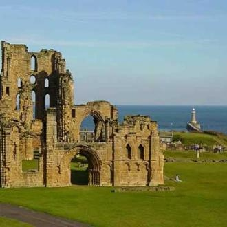 Tynemouth Priory & Castle exterior