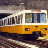 Metro train original yellow and white livery